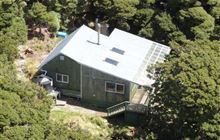 Alpha Hut . Tararua Forest Park