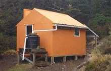 Top Maropea Hut . Ruahine Forest Park